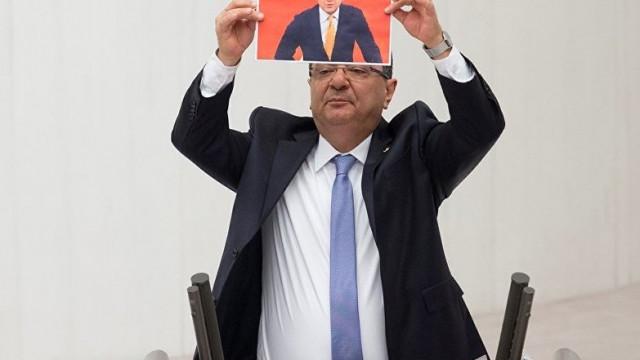 CHP'li Göker: ''Fatih Portakal'ı size yedirtmeyiz''