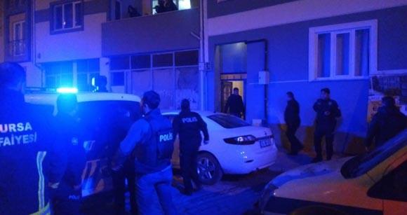Polisin önünde eşini ve bebeğini bıçaklamaya devam etti