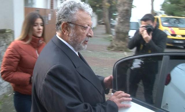 Metin Akpınar ve Müjdat Gezen polis eşliğinde adliyeye götürüldü