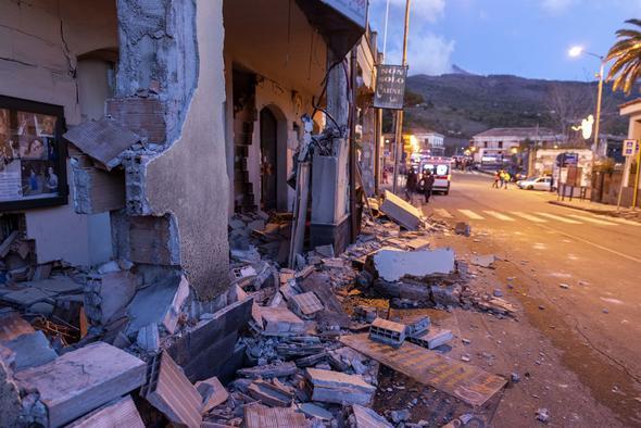 Akdeniz'de deprem dehşeti; görüntüler korkunç !