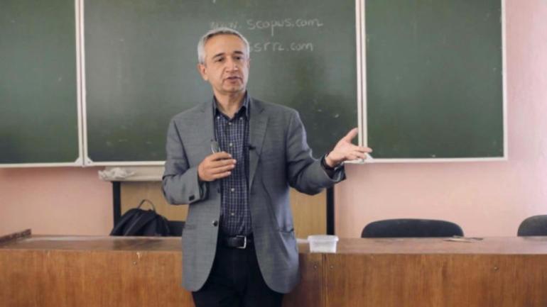 Kayıp Türk profesör ölü bulundu