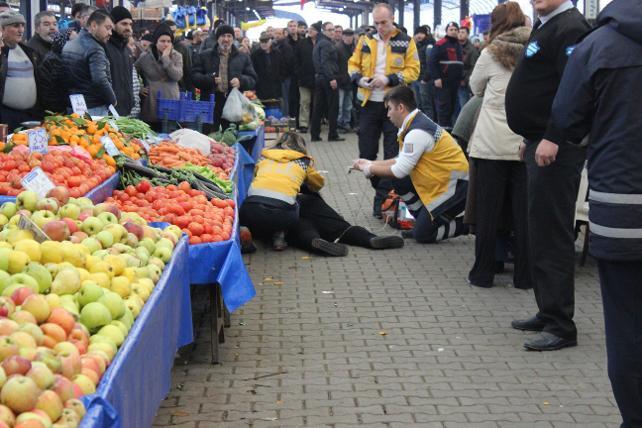Halk pazarında cinayet ! Yaşlı kadın öldürüldü