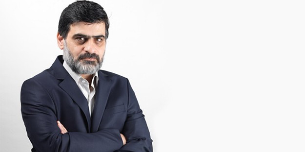 O yazar AK Parti'nin İzmir adayı Zeybekçi'ye ''yalaka'' dedi !