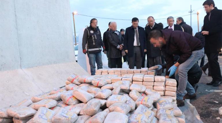Картинки по запросу 1 ton 271 kilogram eroin ele geçirilmişti; TIRın sahibi vergi rekortmeni çıktı!