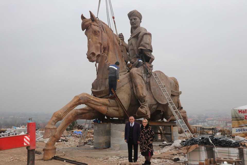 Bolu'ya dev Köroğlu heykeli