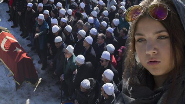 New York'ta şeyh cenazesi ! Tosun Bekir Bayraktaroğlu toprağa verildi