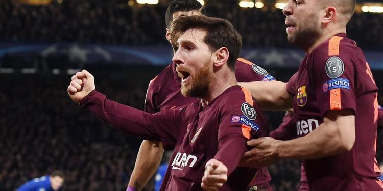 Messi'den tarihe geçen gol !