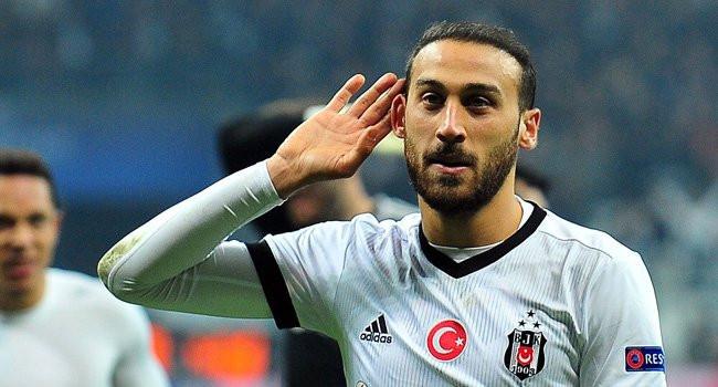 Beşiktaş Cenk Tosun'u mumla arıyor !