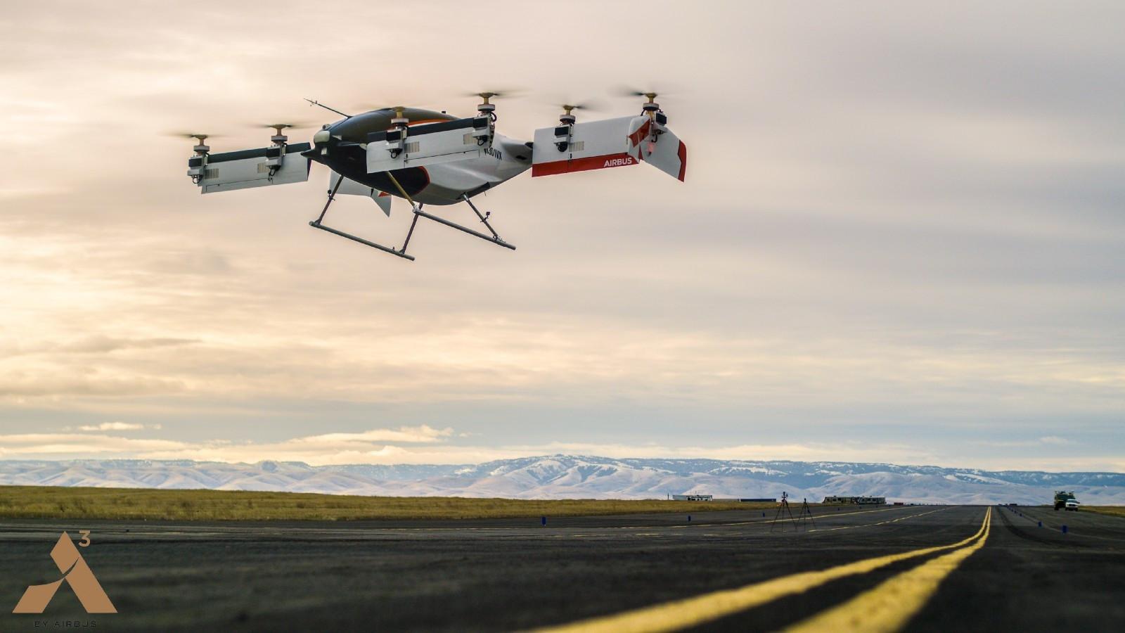 Uçan elektrikli taksinin görüntüleri yayınlandı!