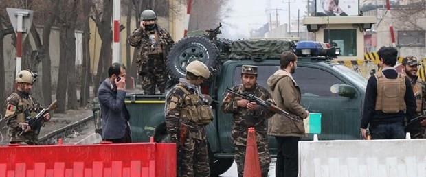 Askeri üsse Taliban saldırısı: 18 ölü