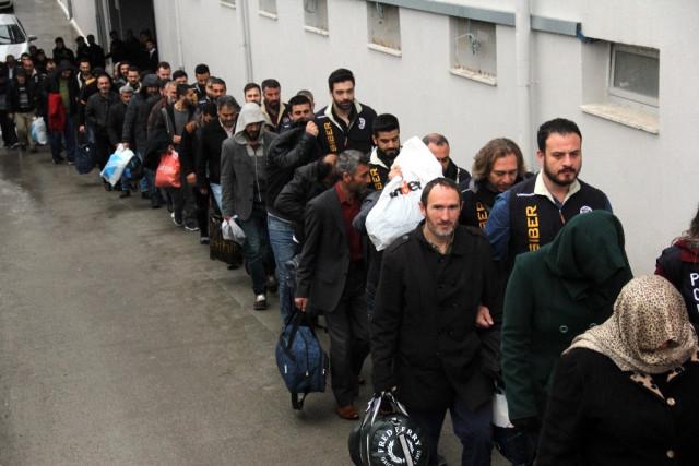 ''Asgari ücretli çalışanın'' hesabından 1 milyon euro çıktı !