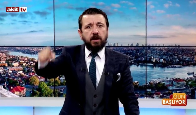 Akit TV sunucusu istifa etti