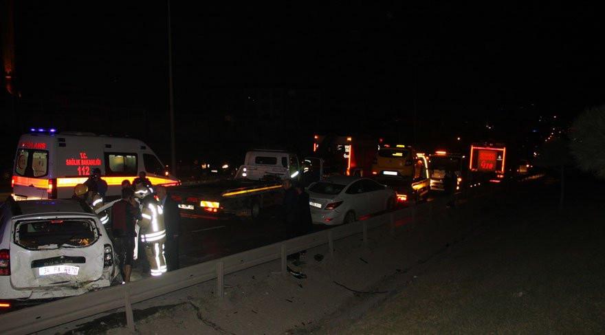 İstanbul'da zincirleme kaza; 10 araç birbirine girdi !