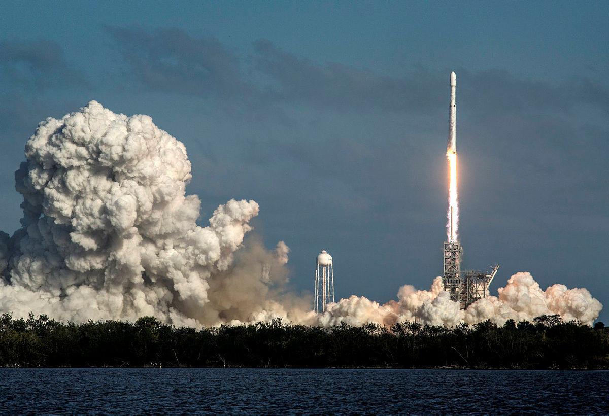 SpaceX'in Falcon Heavy roketi fırlatıldı - Resim: 3