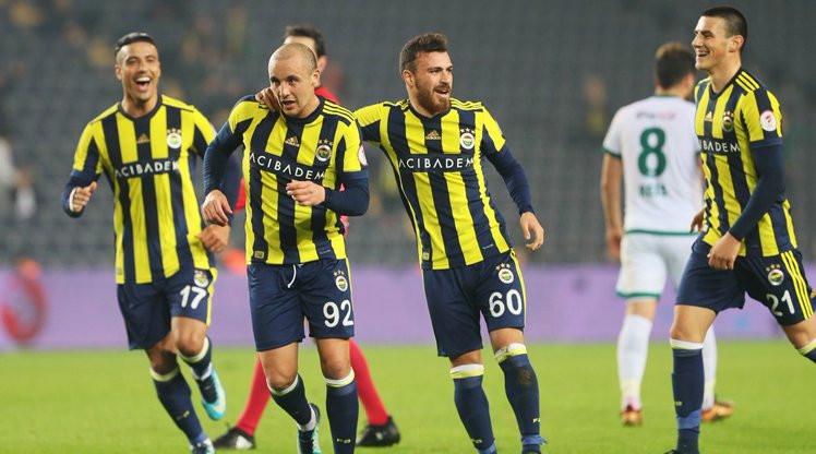 Fenerbahçe yarı finalde Beşiktaş'a rakip oldu !