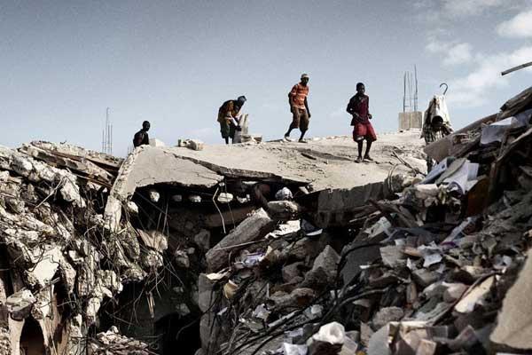 Büyük Skandal ! Depremzedelere yardıma gidip fuhuş yapmışlar