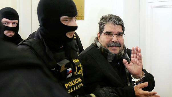 """''MGK """"terörist"""" dedi, AK Parti ağırladı''"""
