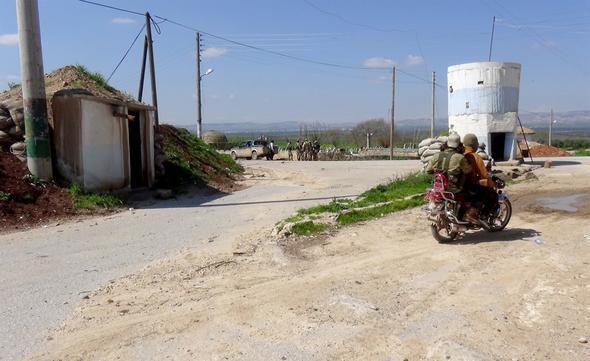 Afrin'de peş peşe zaferler ! Köyler alındı