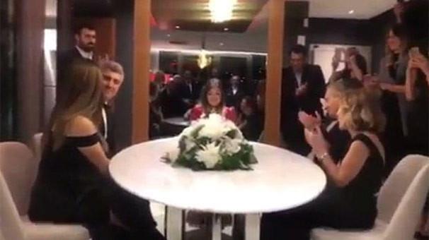 Özcan Deniz ve Feyza Aktan evlendi; işte nikah fotoğrafları