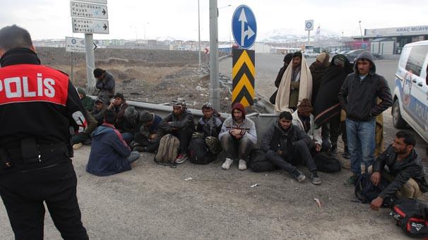 Erzurum'da kaçak göçmenler yakalandı