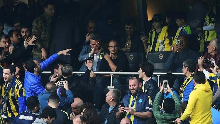 Kadıköy'de Alex sürprizi; maçı Saran ile izledi