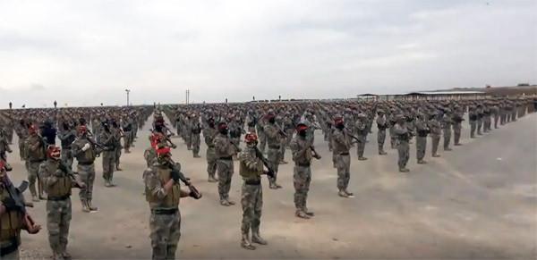 PKK/YPG 3500 teröristiyle şov yaptı