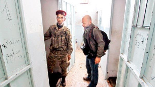 PKK/PYD'nin işkence koğuşu ! Öcalan'ın ses kaydını dinletmişler