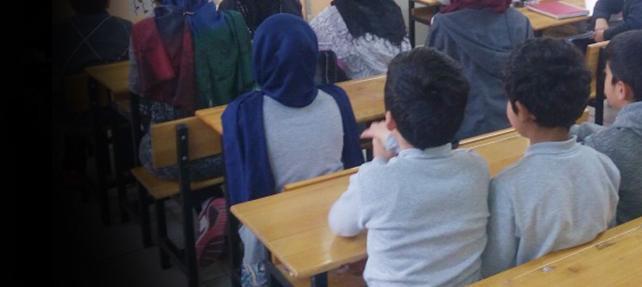 Çocuklara okulda protokol hapsi