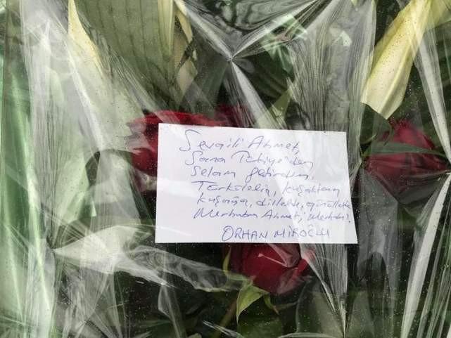 AK Partili vekil Ahmet Kaya'nın mezarına bu notu bıraktı