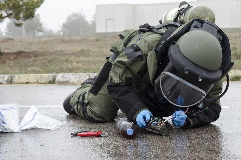 Otoyola bomba tuzaklamışlar