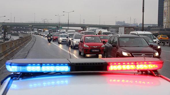 İstanbul'da çakar skandalı ! Sürücüler isyanda