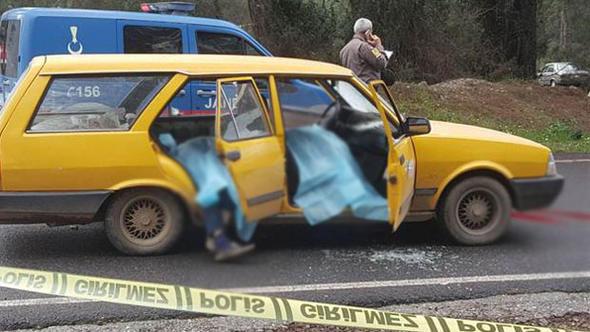 Aracı durdurup katliam yaptı: 3 ölü