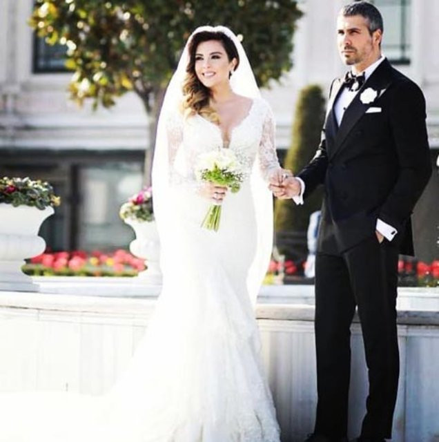 Aslı Hünel evlendi ! Düğüne ünlü yağdı