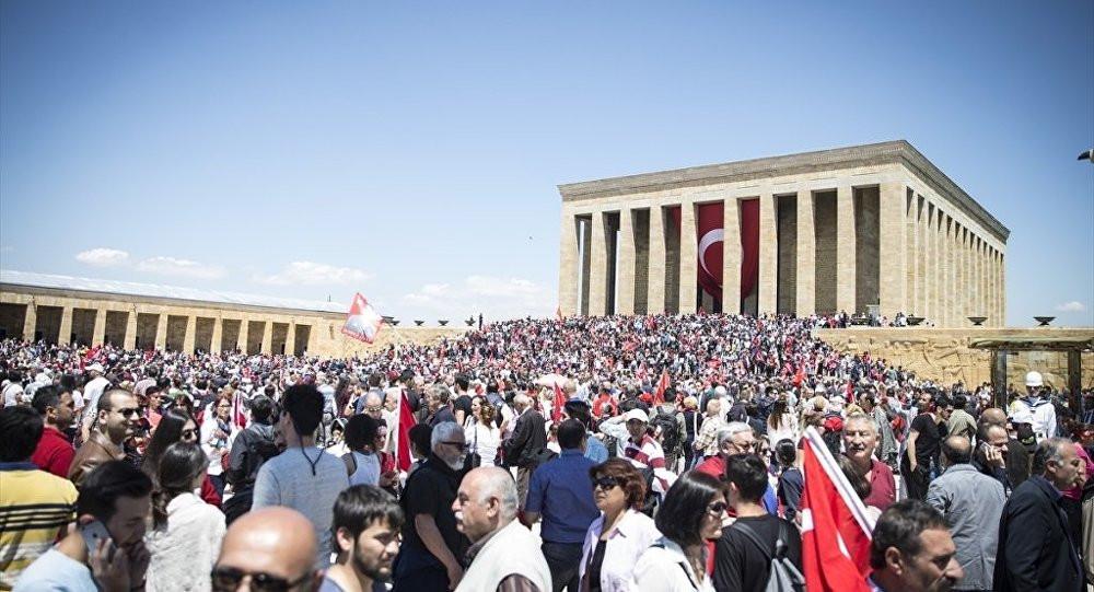 Anıtkabir'de İstiklal Marşı okutmadılar