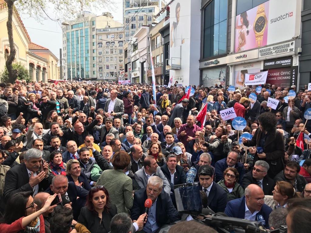 Taksim'de büyük gerginlik, CHP alana alınmadı !