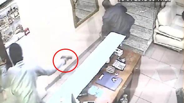 İstanbul'da otele silahlı baskın