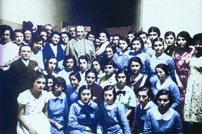 Atatürk'ün çocuk sevgisi Genelkurmay arşivlerinde - Resim: 2