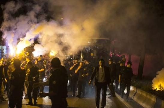 Ankaragücü taraftarları sokaklara döküldü !