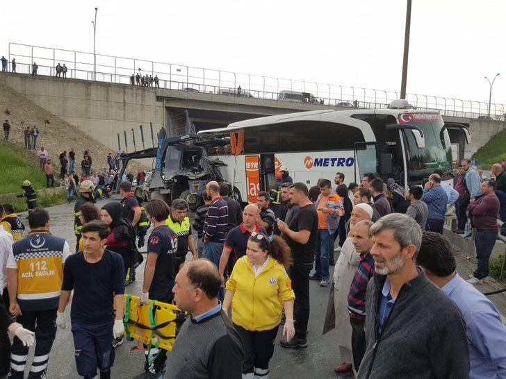 TEM'de büyük kaza: Ankara yönü ulaşıma kapandı