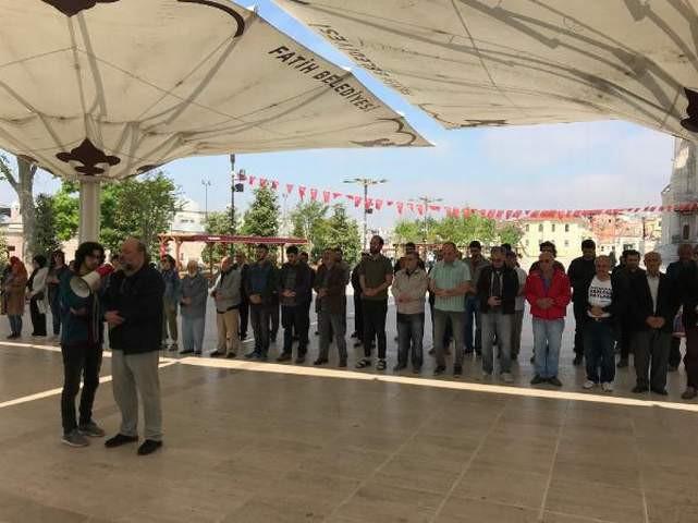 1 Mayıs'ta ölen işçiler için cenaze namazı kıldılar