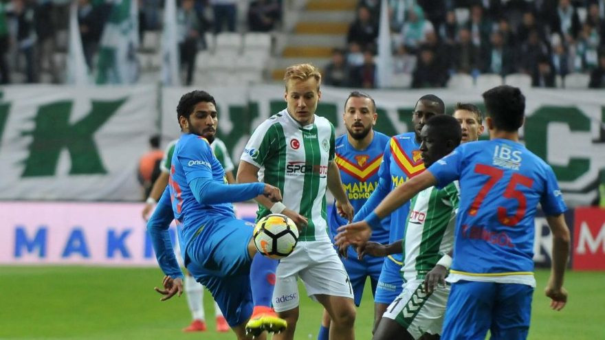 Konyaspor'dan çok kritik 1 puan !