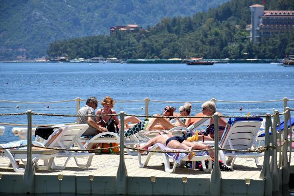Ramazan başladı, sahiller turistlere kaldı