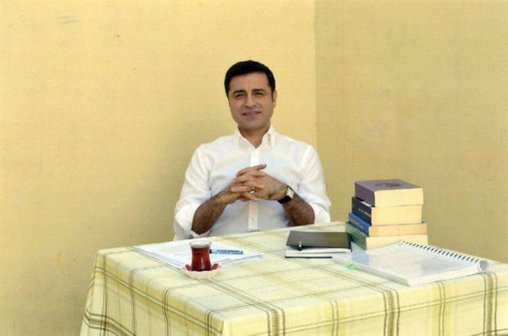 Demirtaş'dan cumhurbaşkanı adaylarına dikkat çeken mesaj