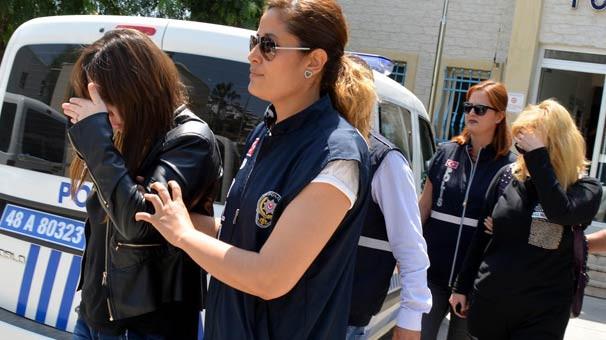 Otele fuhuş baskını: 2 kadın gözaltında