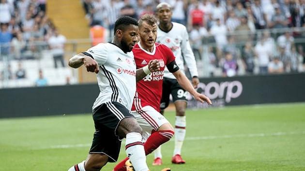 Beşiktaş'ta hedefteki isim yine aynı; Jeremain Lens !