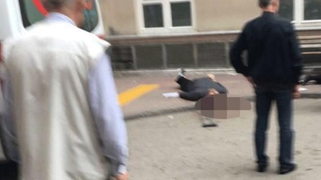 Hastane önünde dehşet: Karı-koca silahlı saldırıda öldü