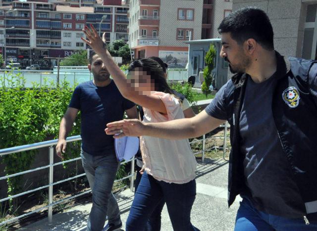 İş yeri basan kızlar bu sefer de gazetecilere saldırdı
