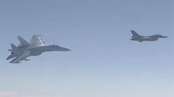 Rus jetleri İsrail uçaklarını engelledi !