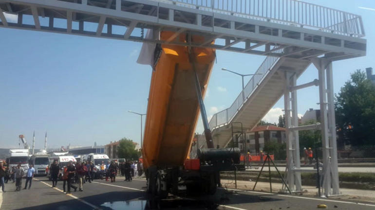 Ankara'da üst geçitte dehşet; çok sayıda yaralı var