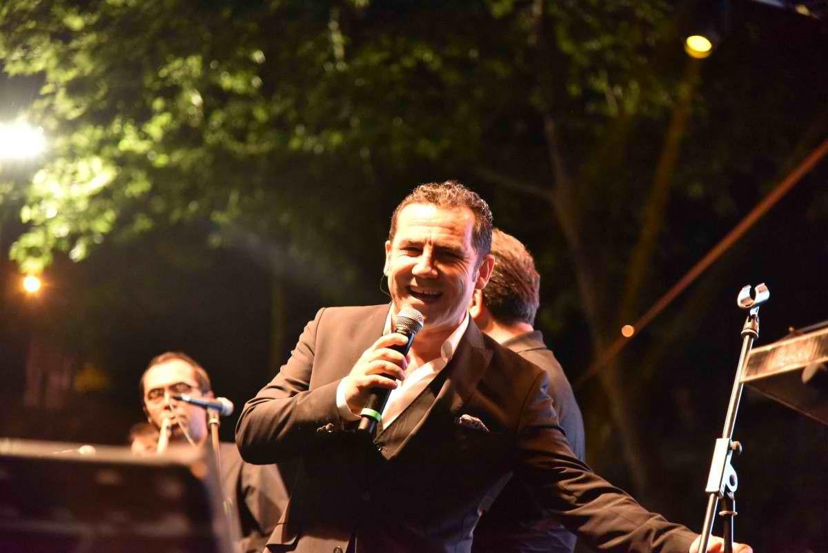 Ferhat Göçer'le müzik şöleni